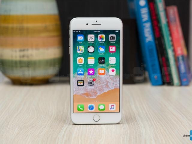 Đánh giá iPhone 8 Plus: Mạnh mẽ, nhưng... lạc hậu