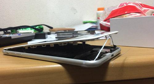 Apple sục sôi điều tra thông tin iPhone 8 Plus phồng pin - 2