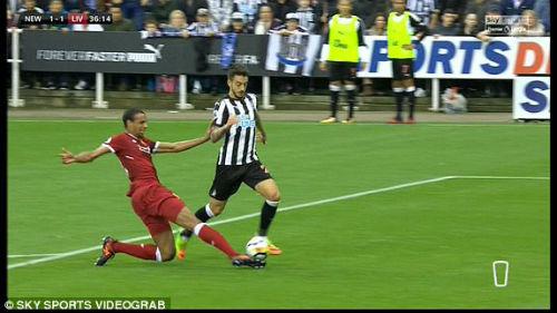 Chi tiết Newcastle - Liverpool: Nỗ lực vô vọng (KT) 24