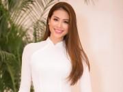 Phạm Hương gây xao xuyến khi diện áo dài trắng