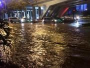 Tin tức trong ngày - Vì sao mưa ngập đường, xe chết máy mới vận hành siêu máy bơm?