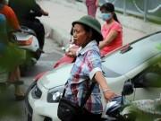 Theo chân bà Tiến  điên  dẹp loạn giao thông Hà Nội