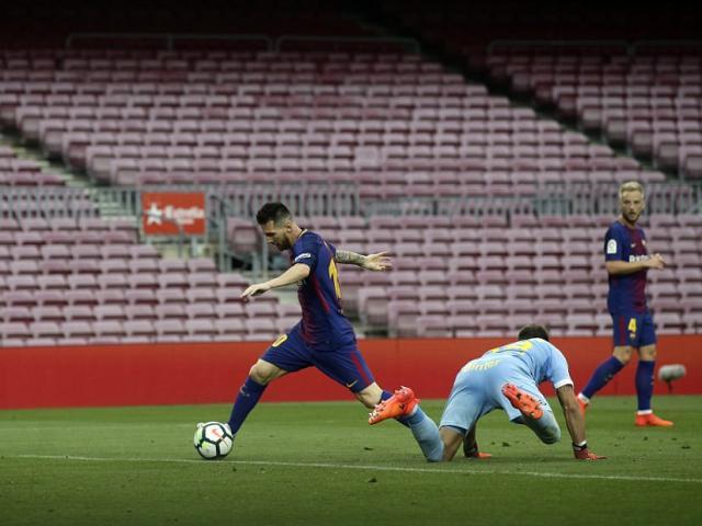 Messi siêu bùng nổ, Ronaldo tệ nhất La Liga - bất hòa với bố đã mất - 5