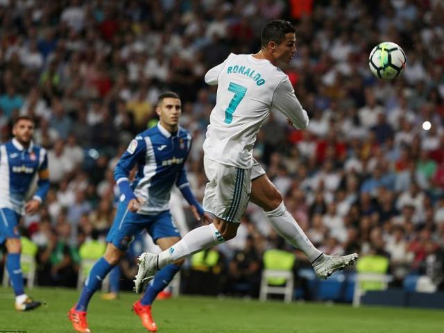 """Ronaldo bực tức vì tịt ngòi: Zidane mặc kệ, vui vì Real """"phá dớp"""" - 2"""