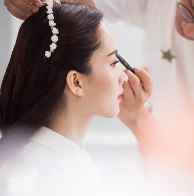 Hoa hậu Thu Thảo đẹp tựa tiên nữ trong lễ ăn hỏi bí mật - 7