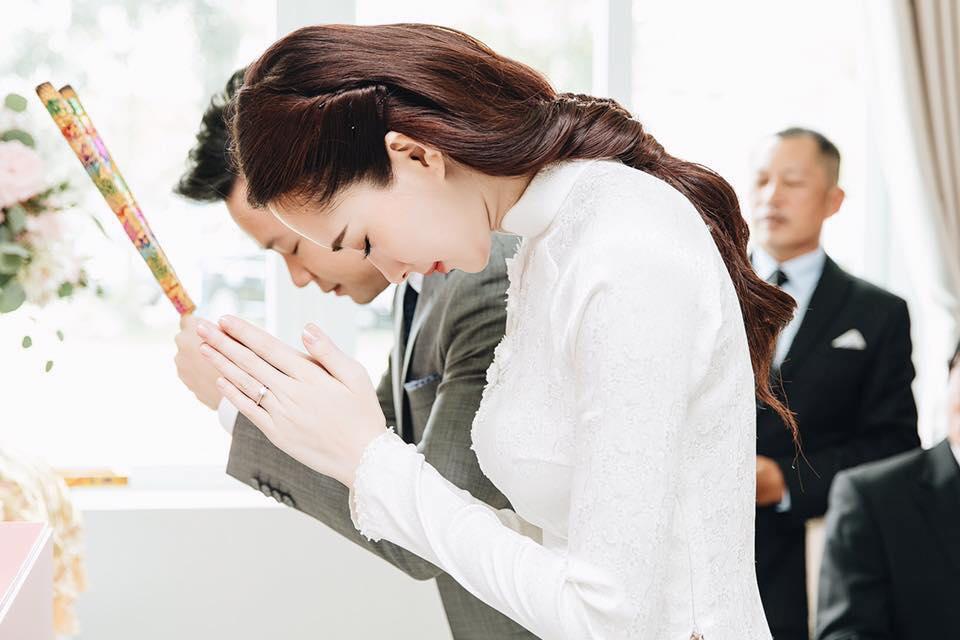 Hoa hậu Thu Thảo đẹp tựa tiên nữ trong lễ ăn hỏi bí mật - 5