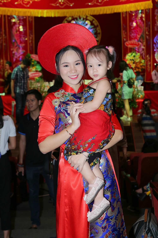 Hoa hậu Đỗ Mỹ Linh xin Tổ ban lộc ở cuộc thi Hoa hậu Thế giới - 3
