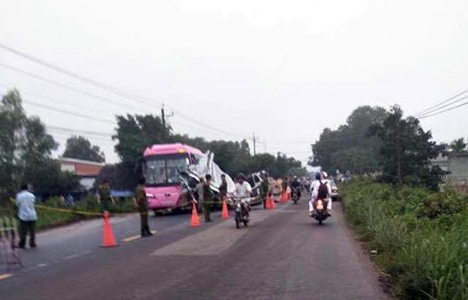 Ảnh: Hiện trường khủng khiếp vụ tai nạn 6 người chết ở Tây Ninh - 7
