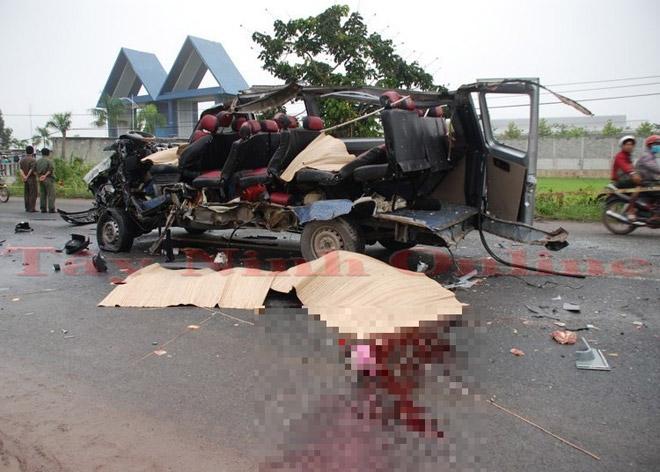 Ảnh: Hiện trường khủng khiếp vụ tai nạn 6 người chết ở Tây Ninh - 3
