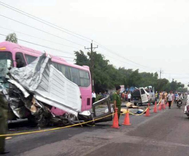 Ảnh: Hiện trường khủng khiếp vụ tai nạn 6 người chết ở Tây Ninh - 9
