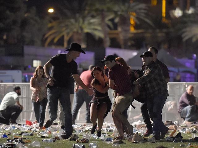 Mỹ: Xả súng đẫm máu tại lễ hội 30.000 người, ít nhất 50 người chết
