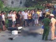 Tin tức trong ngày - Va chạm xe tải, 2 thanh niên văng xuống đường tử vong