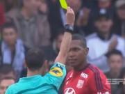 """Vô ý  """" trêu """"  trọng tài, Marcelo nhận thẻ đỏ ngớ ngẩn nhất lịch sử"""