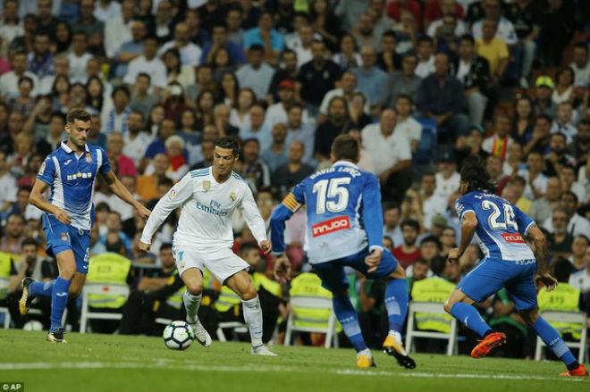 """Real sinh biến: Ronaldo """"tịt ngòi"""", cãi nhau 2 đàn em ở phòng thay đồ - 2"""