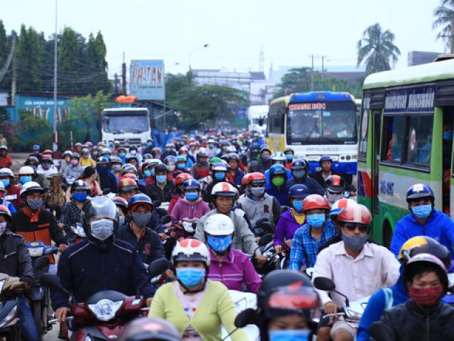 3 ngày liên tiếp tài xế dùng tiền lẻ ở BOT Biên Hòa - 8