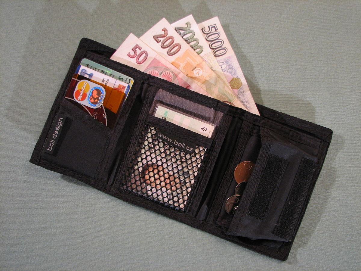 Được trả lại ví mất trộm sau 50 năm, cảm thấy hoang mang - 1