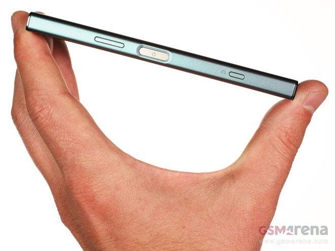 """Đánh giá chi tiết Sony Xperia XZ1 Compact: Bé """"hạt tiêu"""" - 2"""