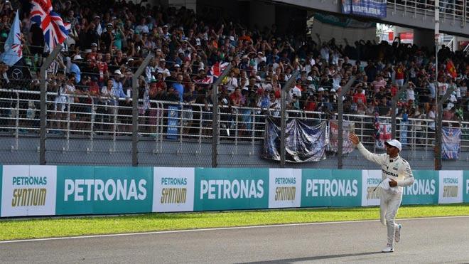 Đua xe F1: Niềm vui kép ngay trên thánh địa của kình địch 3