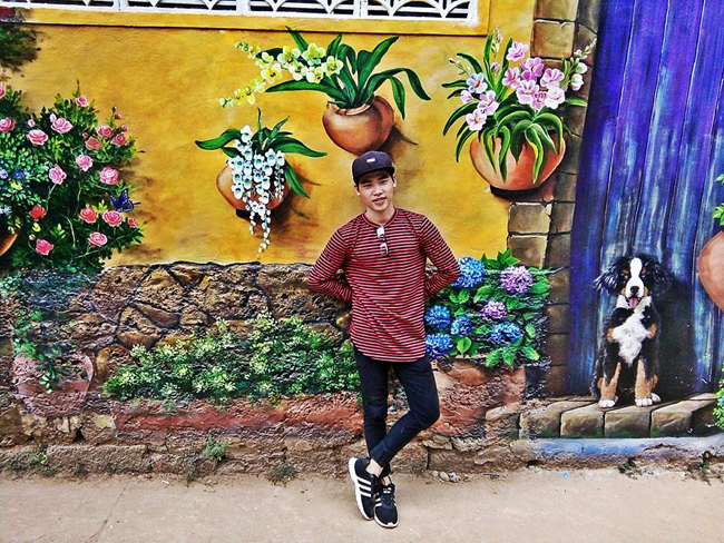 Với & nbsp;14 bức tranh 3D được vẽ lên tường với đủ màu sắc vô cùng sinh động, giúp làng chài Bình Sơn & nbsp;thêm hút hồn du khách.