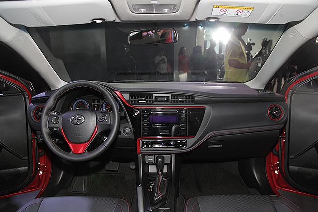 Toyota Corolla Altis X 2017 giá chỉ gần 600 triệu đồng - 3