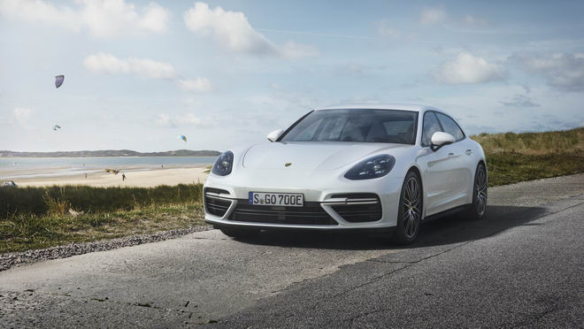 Porsche Panamera hybrid tiết kiệm nhiên liệu giá 5 tỷ đồng - 1