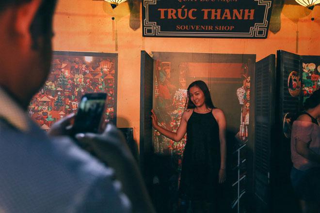 """Ngàn người đổ về """"phố cổ Hội An"""" giữa lòng Sài Gòn trước Tết Trung thu"""