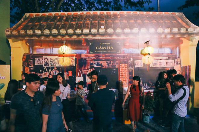 """Ngàn người đổ về """"phố cổ Hội An"""" giữa lòng Sài Gòn trước Tết Trung thu - 8"""