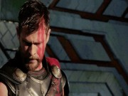 """"""" Thần Thor """"  chạm trán Thành Long ở rạp chiếu tháng 10"""
