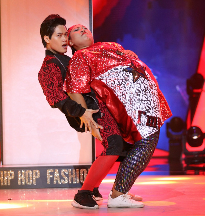 Thí sinh nặng ký nhất cuộc thi nhảy muốn giảm cân để lấy chồng - 2