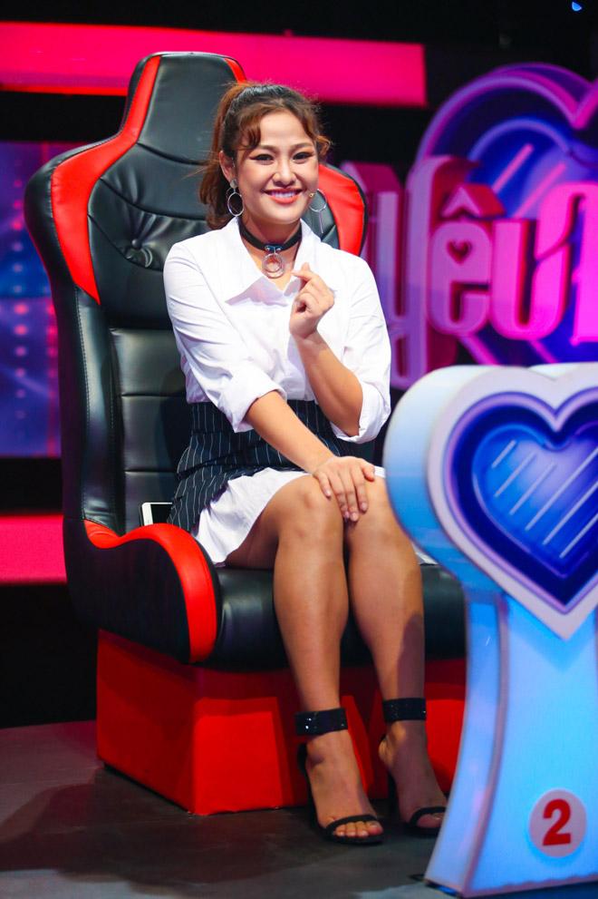 Dàn hot girl bất ngờ ngồi ghế nóng để tìm bạn trai trên truyền hình - 8