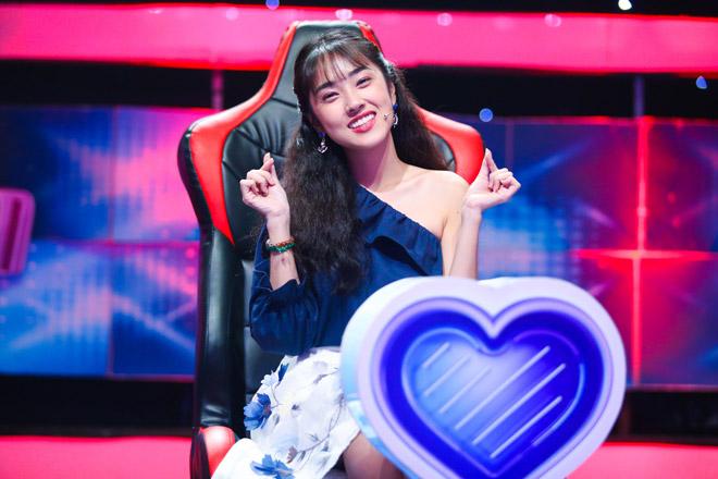 Dàn hot girl bất ngờ ngồi ghế nóng để tìm bạn trai trên truyền hình - 4