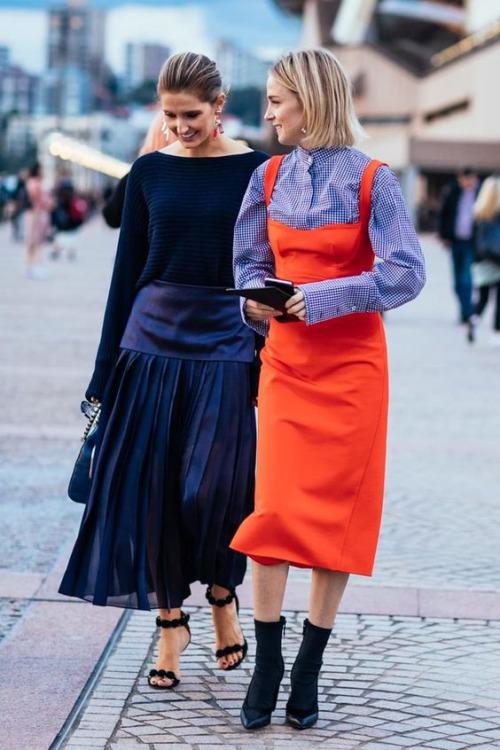 9 cách diện váy dài đẹp ngất ngây cho mùa thu - 12