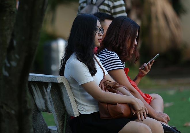 Bóng hồng xinh đẹp của Quang Hải cổ vũ sao kỹ thuật tốt nhất ĐT Việt Nam 4