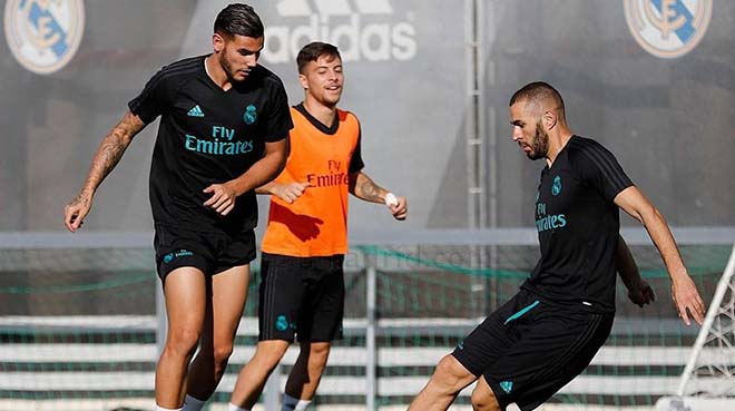 """Real bĩ cực đấu Atletico: Benzema """"hầu hạ"""", mong Ronaldo khơi nguồn - 1"""