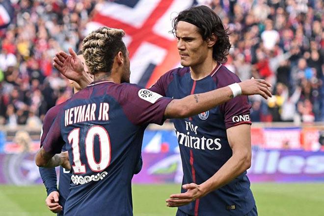 """Cavani quy phục Neymar vẫn bị PSG """"xử"""" vì SAO bự Ngoại hạng Anh"""