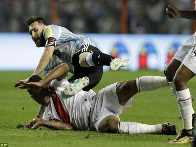 """""""Biến"""" ở tuyển Argentina: Messi gây thất vọng, đàn em Dybala """"đảo chính"""" 4"""