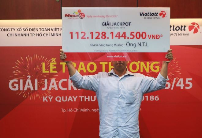 Cơn mưa ngang qua đã mang về 112 tỉ cho người chơi Vietlott như thế nào?
