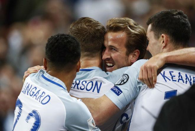 Tin HOT bóng đá tối 6/10: Arsenal muốn Lucas phải nhả Sanchez - 2