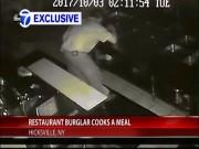 Trộm lẻn vào nhà hàng làm điều khiến chủ nhân ngỡ ngàng