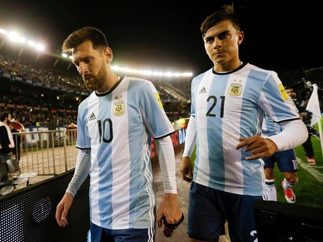"""""""Biến"""" ở tuyển Argentina: Messi gây thất vọng, đàn em Dybala """"đảo chính"""""""