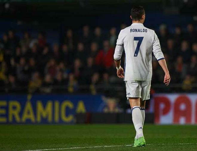 Real tậu Kane – Cavani 250 triệu bảng: Ronaldo trôi vào quên lãng - 2