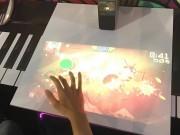 Video: Sony trình diễn công nghệ tương tác với mặt bàn như màn hình cảm ứng