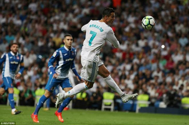 """Ronaldo giải cứu Bồ Đào Nha: Tịt ngòi ở La Liga, """"vạch mặt"""" 3 đàn em - 2"""