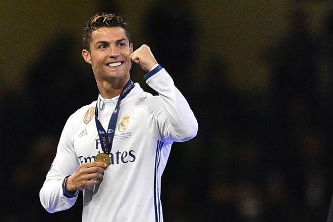 Ronaldo muốn rời Real: PSG chịu chơi hơn MU, vung 200 triệu bảng - 1