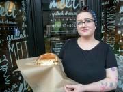 Tài chính - Bất động sản - Trượt phỏng vấn 60 lần, cô gái quyết tâm làm giàu từ bánh mỳ phô mai