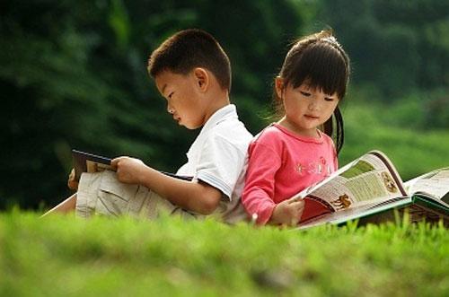10 cách để trẻ cảm nhận niềm vui khi đọc sách - 1