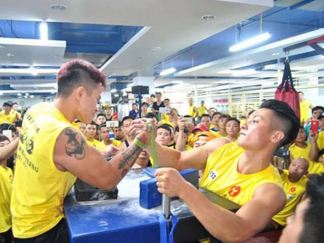 """""""Ông trùm"""" vật tay Việt: 45 tuổi hạ cao thủ mới 18, nặng 102kg 4"""