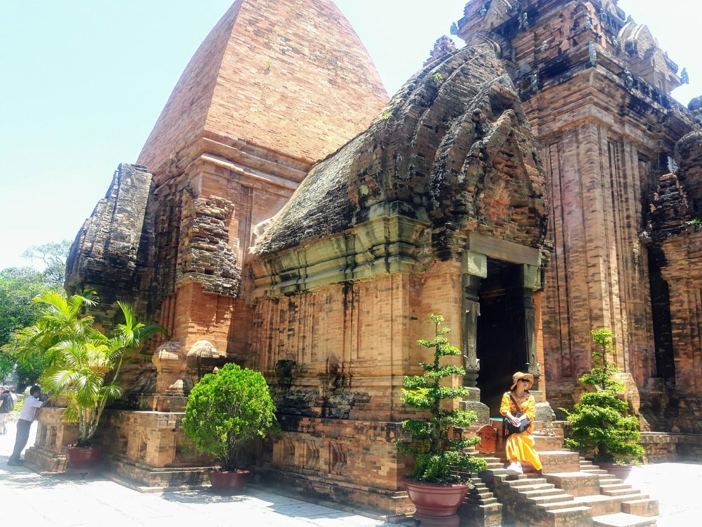Du lịch Nha Trang để thấy Việt Nam đẹp mê đắm thế nào? - 27
