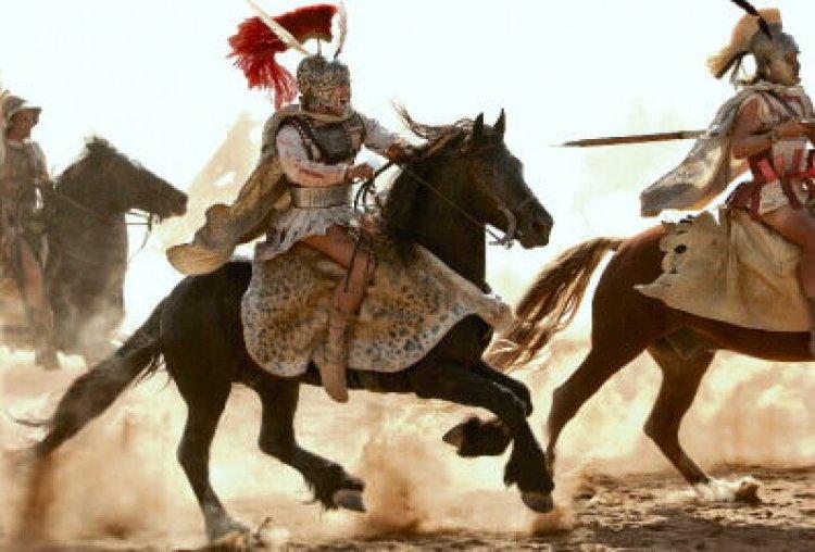 Vị vua lừng lẫy chinh phục hơn 5 triệu km2 trên 3 châu lục - 1