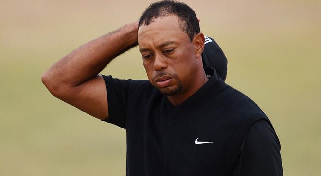 Golf 24/7: Siêu mẫu bốc lửa trổ tài, cả sân lác mắt 4